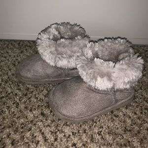 H&M baby girl fur boots